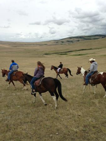 Valier, MT: Riding on the DeBoo ranch