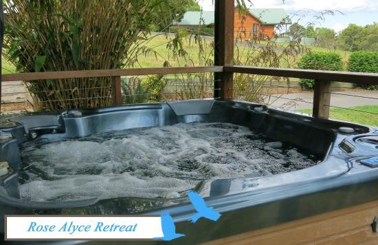 Spa Bath at Rose Alyce Retreat, Ravensbourne Escape