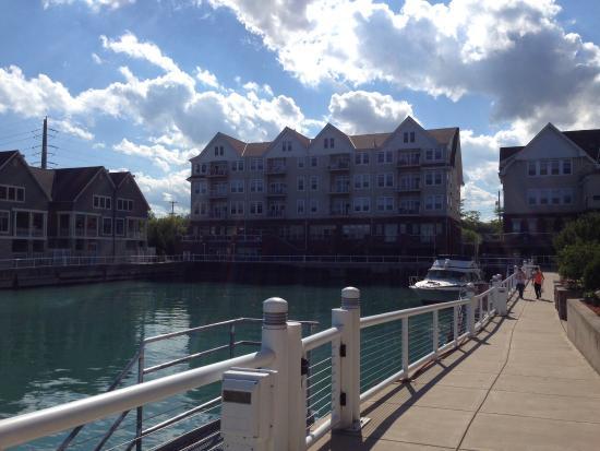 Hotels Near Port Washington Wi