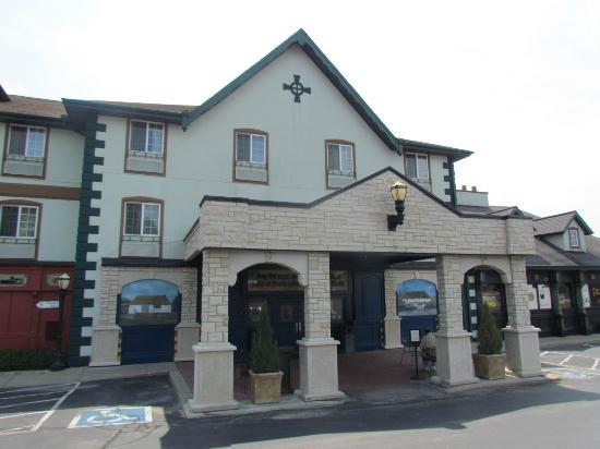 Irish Cottage Boutique Hotel: entrance