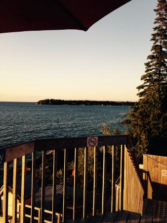 Bruce Anchor Motel and Cottage Rentals: Getting settled before the sunset