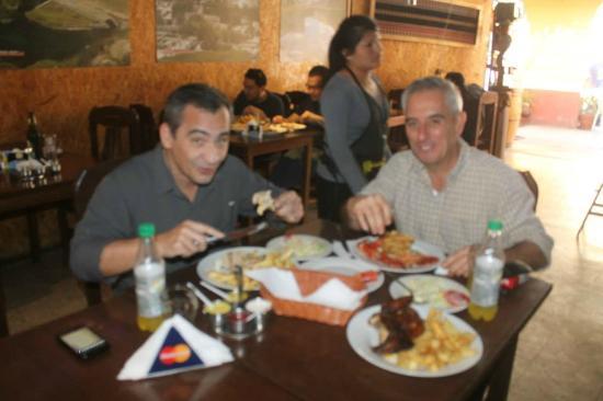 Piscopollo Restaurant : Camarones y pollo - espectaculares !