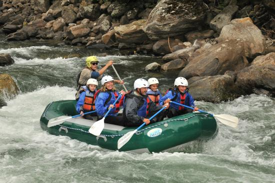 Geyser Whitewater Expeditions: Half day rafting