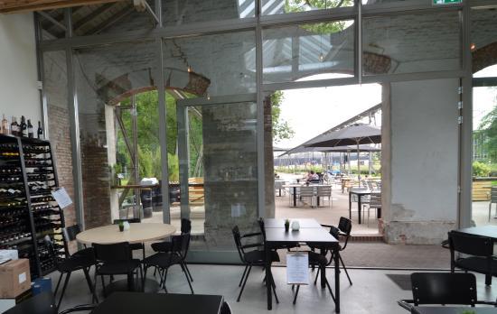 interieur - Picture of Restaurant De Houtloods, Tilburg - TripAdvisor