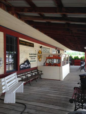 Old Oroville Depot Museum: depot