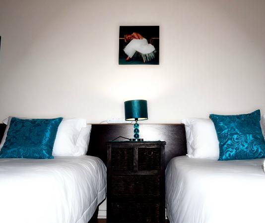 N6 Guest Lodge: Our stylish double rooms