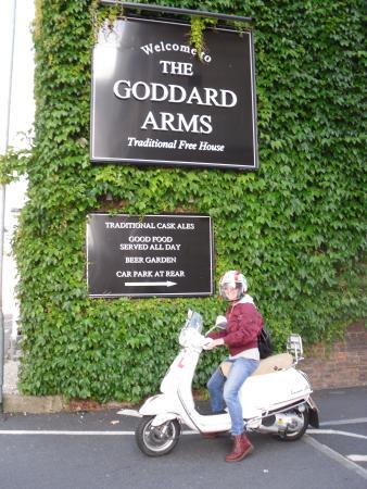 Goddard Arms: Vespa On Tour in Old Swindon