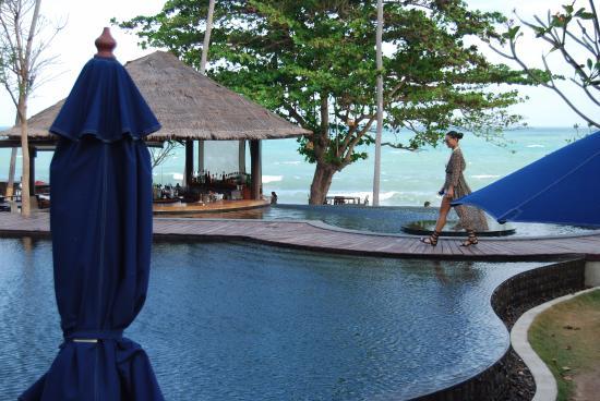 Outrigger Koh Samui Beach Resort 5