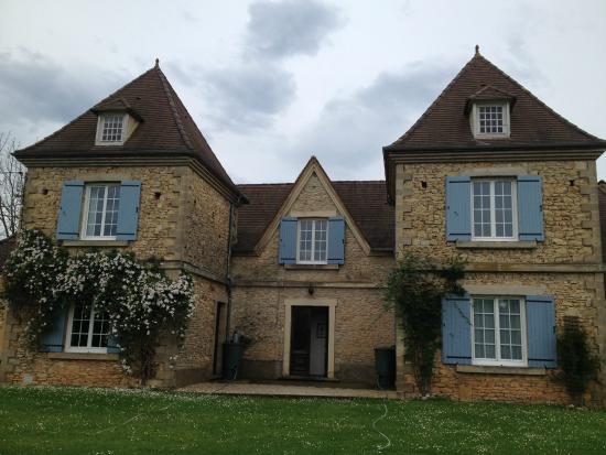 Le Chevrefeuille: Front view of B&B