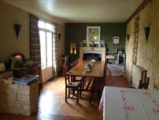 Le Chevrefeuille: Breakfast Dining area