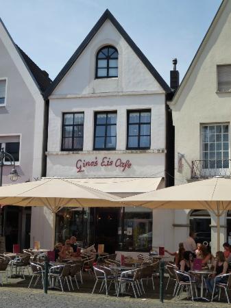 Gino's Eis Cafe