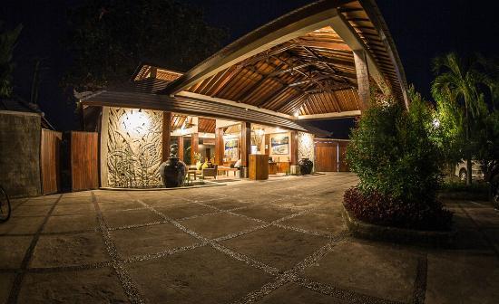 The Lovina: Main Lobby