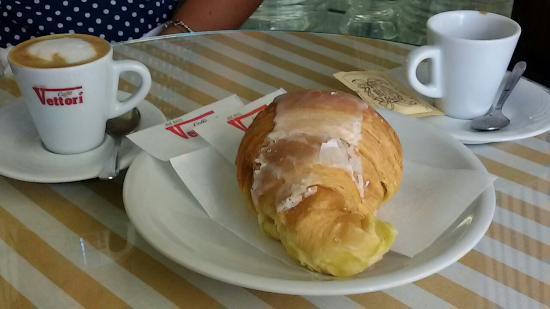 Caffe Tessieri: -