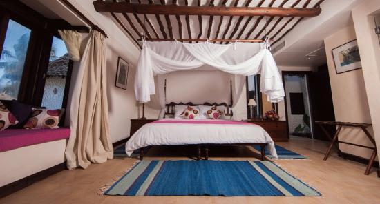 Jacaranda Indian Ocean Beach Resort: Sleep like a King