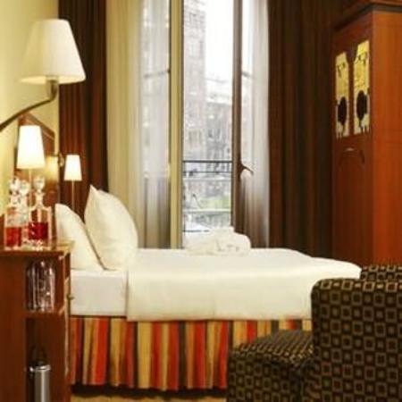 Banks Mansion: Guest Room