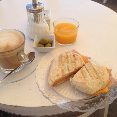 Ca na Noe: Un delicioso desayuno y un inmejorable trato!