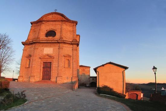 Treville, Италия: La chiesa e la canonica