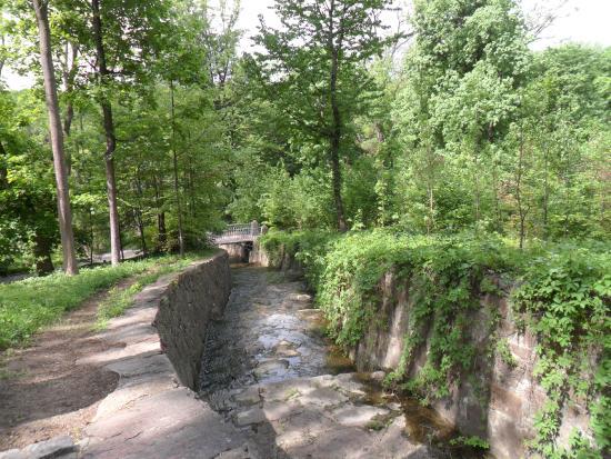 Sofiyivka Park: дорога к реке мертвых