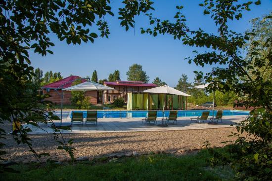 Health Resort Lago-Naki: открытый бассейн (взрослый)