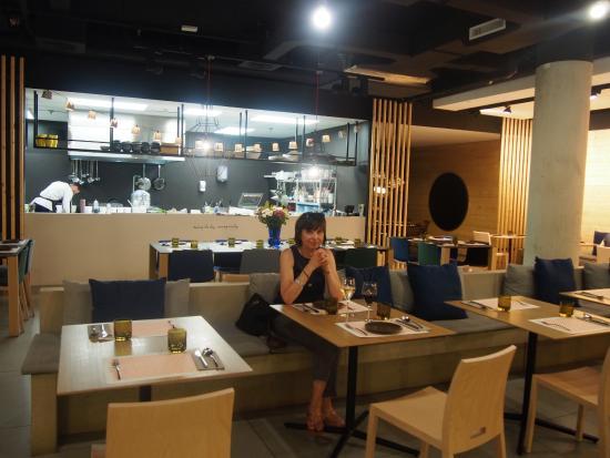 Cuisine Ouverte Picture Of Ma Khin Cafe Valencia Tripadvisor