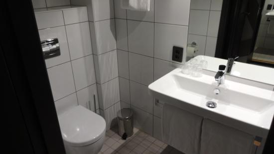 Comfort Hotel Xpress Central Station: Badezimmer #326