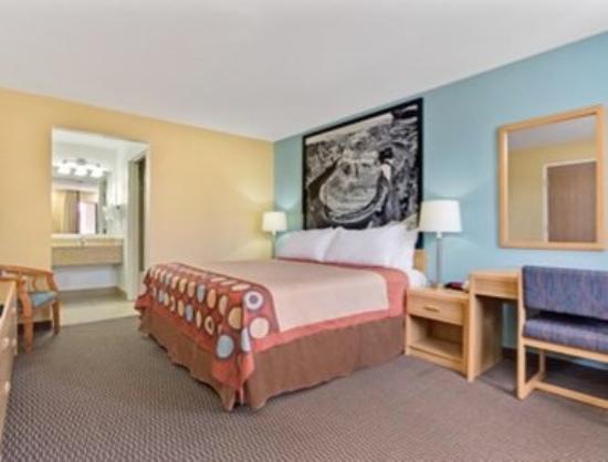 Super 8 Tucson/Grant Road Area AZ: King Bed Room