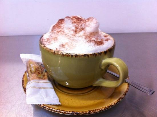 Trefriw, UK: Chandlers cappuchino