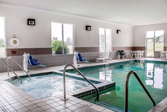 Abbotsford, WI: Pool