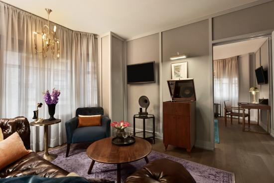 The Evelyn: Executive King Suite