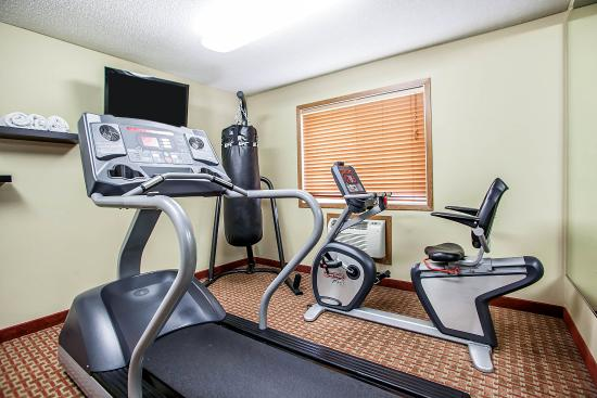 Quality Inn and Suites Davenport: IAFitness