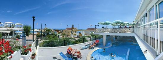 Hotel Regina: piscina