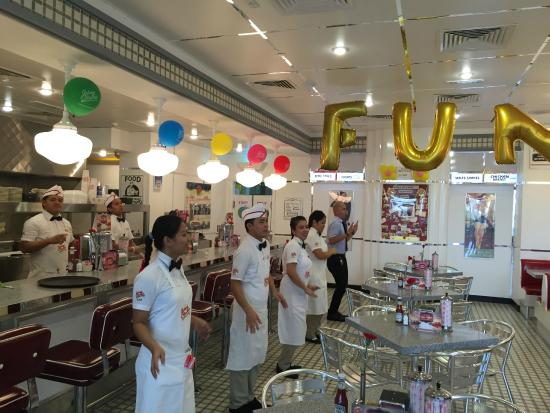 Jannah Eastern Mangroves Suites: Johnny Rockets Diner for burgers & shakes
