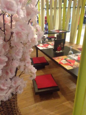 restaurant ayako sushi quimper dans quimper avec cuisine japonaise. Black Bedroom Furniture Sets. Home Design Ideas