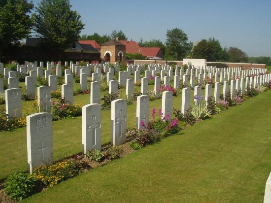 Cambrin Military Cemetery