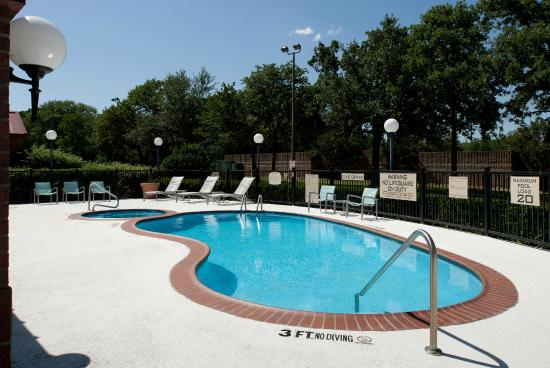 SpringHill Suites Dallas Arlington North: Outdoor Pool