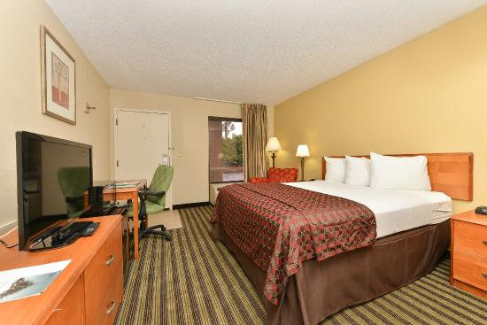 Quality Inn At The Mall: King Bed Room