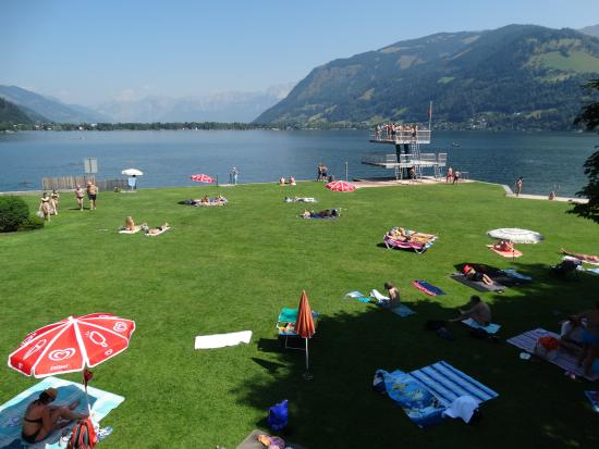 Strandbad Zeller See: Plenty of space even on a  sunny day