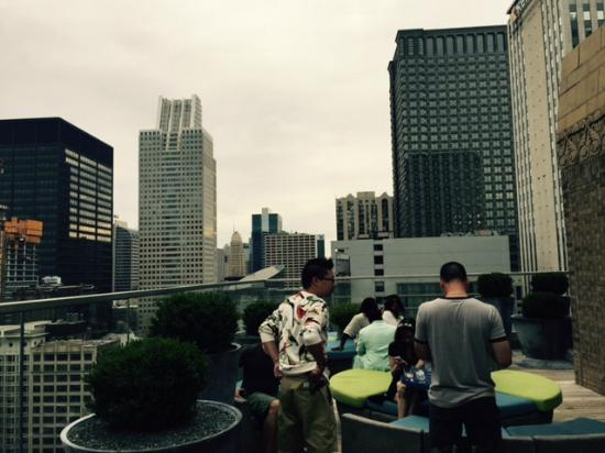 Virgin Hotels Chicago The New Rooftop Bar And Club Very Hot