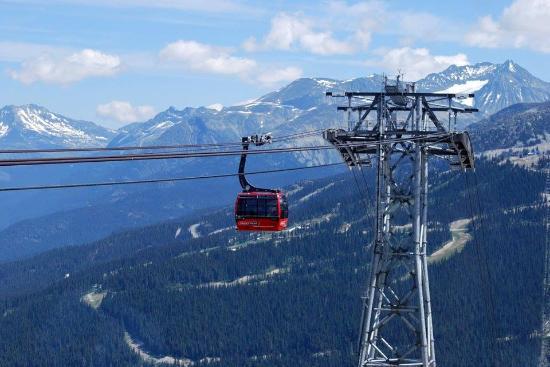 Belle Neige Suites: Discount Peak to Peak tickets