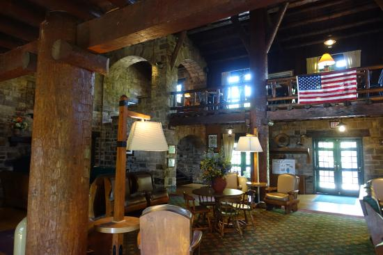 Giant City Lodge: Inside of the lodge