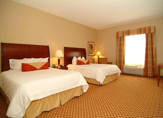 Hilton Garden Inn Casper: 2 Queens Handicap Room
