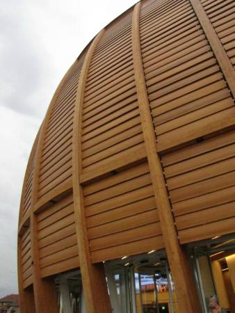 ‪UniCredit Pavilion‬