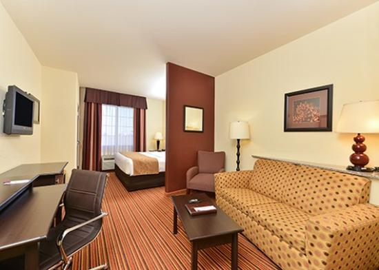 Comfort Suites Alexandria: Other Hotel Services/Amenities