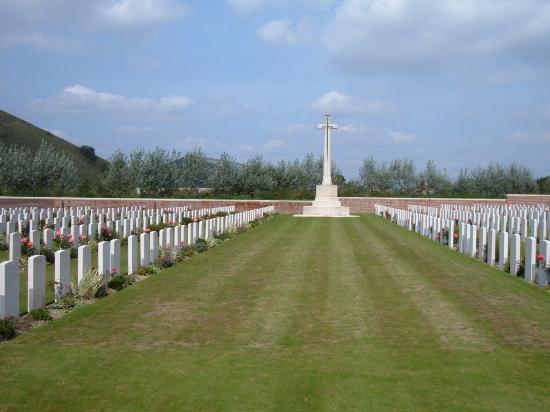 Philosophe British Cemetery, Mazingarbe