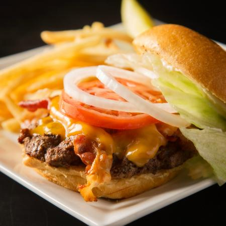 Billy's Sports Grill: Craving a good burger? Try a Bacon Cheeseburger. You will love it!