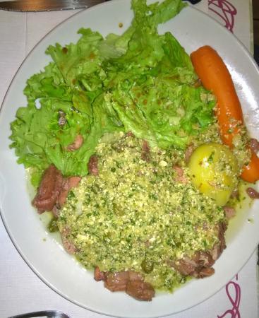 Burlats, França: Tête de veau ravigote