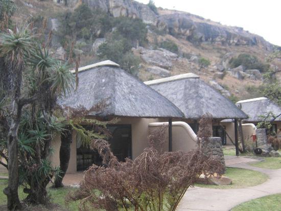 uKhahlamba-Drakensberg Park, แอฟริกาใต้: Bungalow, nachts am Weg Taschenlampe !