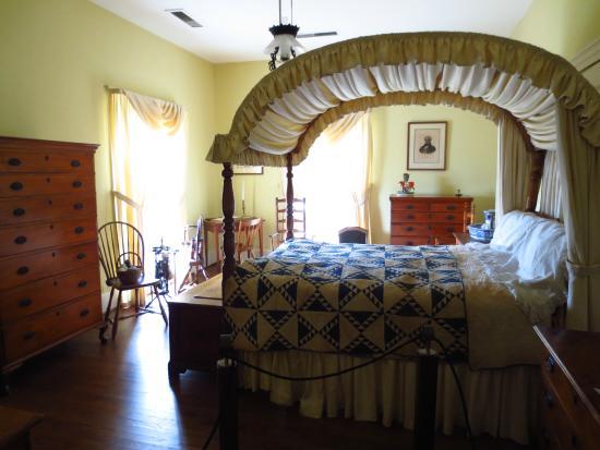 Northeast Bedroom Master Bedroom Picture Of Arlington Antebellum Home And Gardens