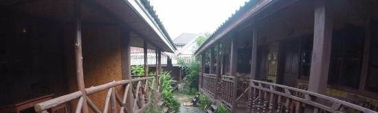 Phoomchai Guesthouse: photo0.jpg