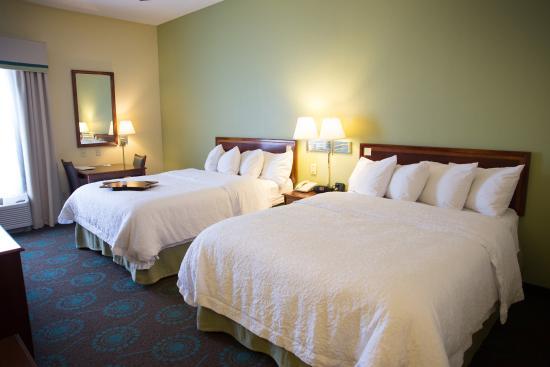 Hampton Inn Danville : 2 Queen Beds